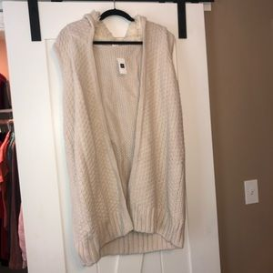 Long and stylish sweater from GAP in a size Large
